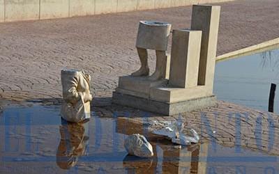 Estado_en_el_que_ha_quedado_la_estatua_de_Charo-González(TAB)