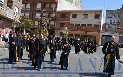 Procesión_del_Calvario_en_la_plaza_Reyes-Católicos(TAB)