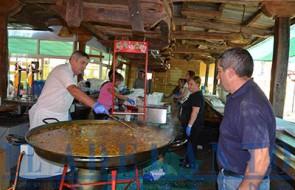Daniel-Turrado_se_encargó_de_preparar_la_comida(TAB)