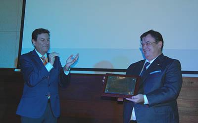 Juan-José-Monje_recibiendo_el_premio_de_la_Junta-de-CYL