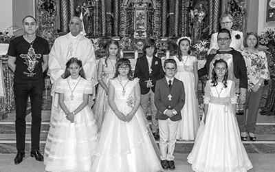 Grupo_del_sábado_19_en_la_Iglesia_de_El-Salvador(Laura-del-Canto-Fotografía)