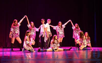 Bailarines_de_la XV-Gala-de-Aerobic_durante_uno de los números(FRAN)