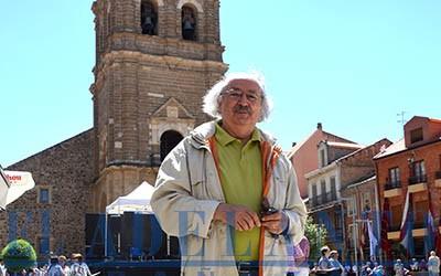Colinas_en_la_plaza-Mayor-Bañezana (TAB)